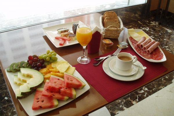 Aparthotel-albufera-desayuno